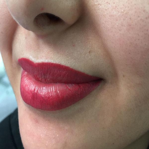 nft beauty lips 600px 2