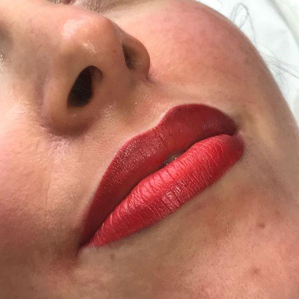 nft beauty lips 600px